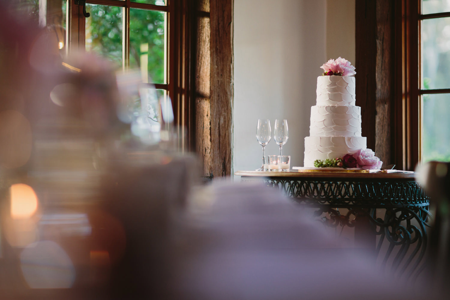 Rustic wedding cake at Circa 1876