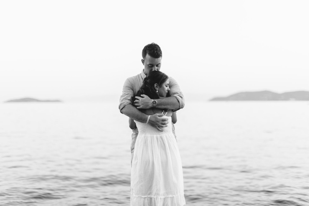 tender embrace in skiathos
