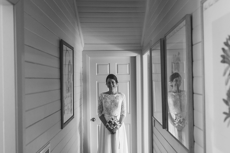 beautiful bride at bendooley estate
