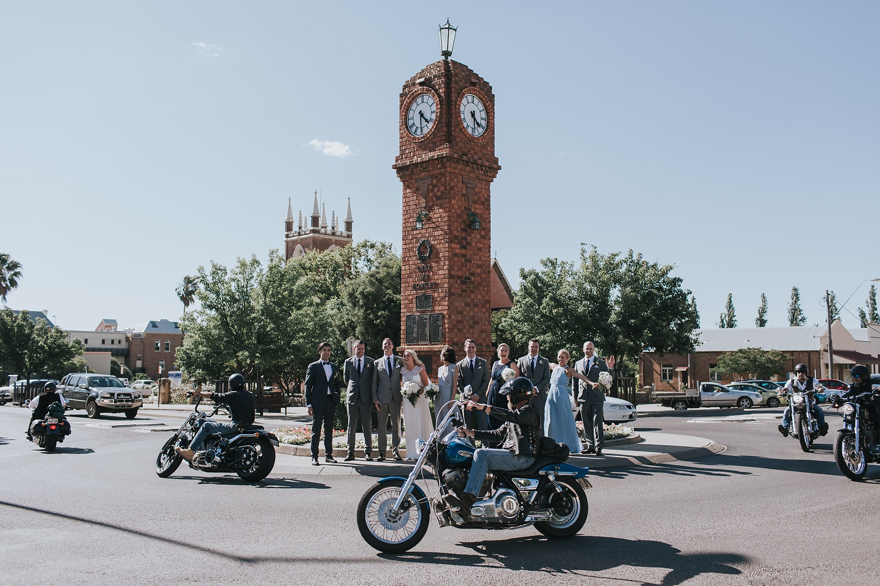 candid wedding photos in mudgee