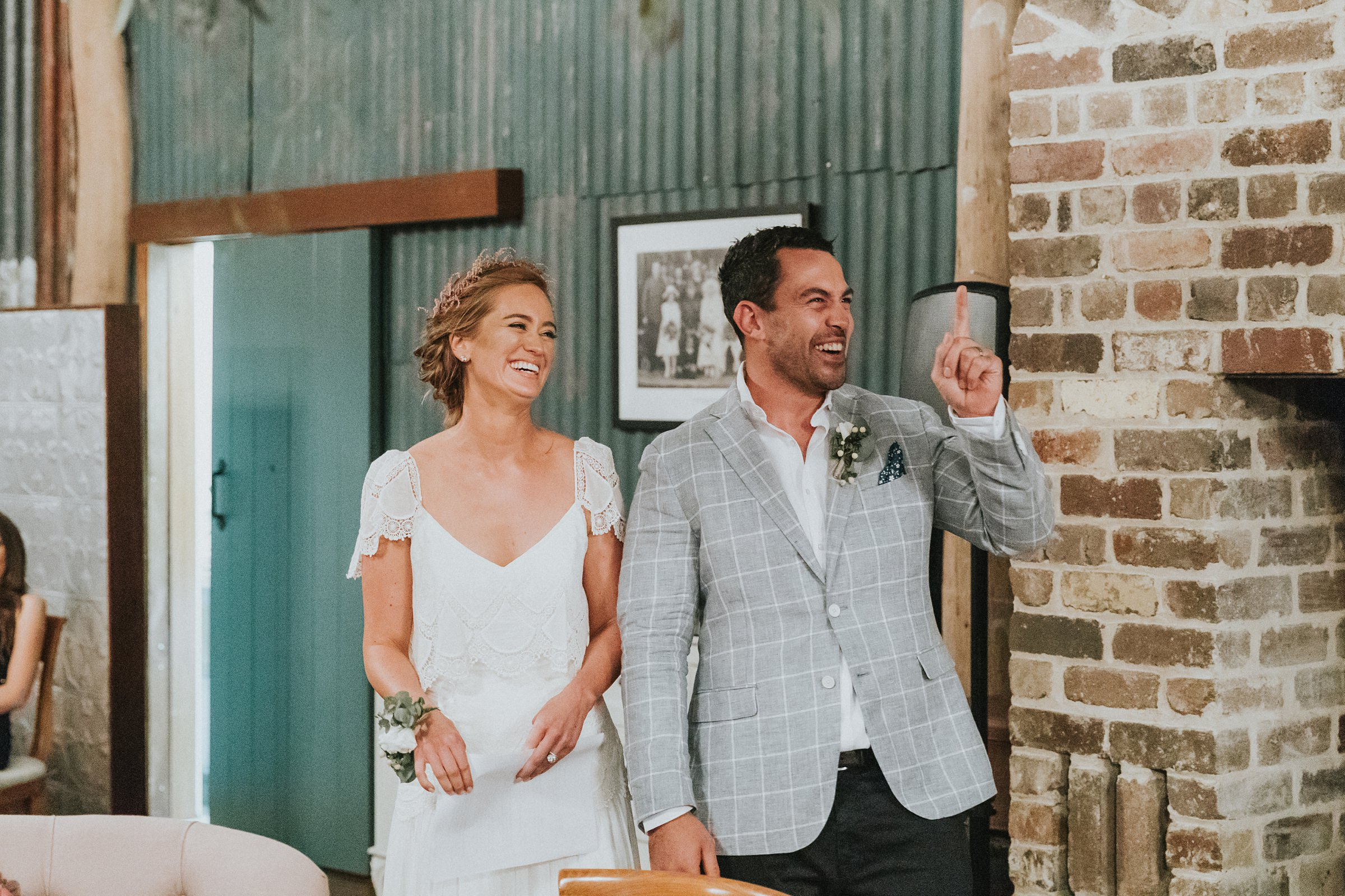 laughter and candid photography at kangaroo valley wedding reception