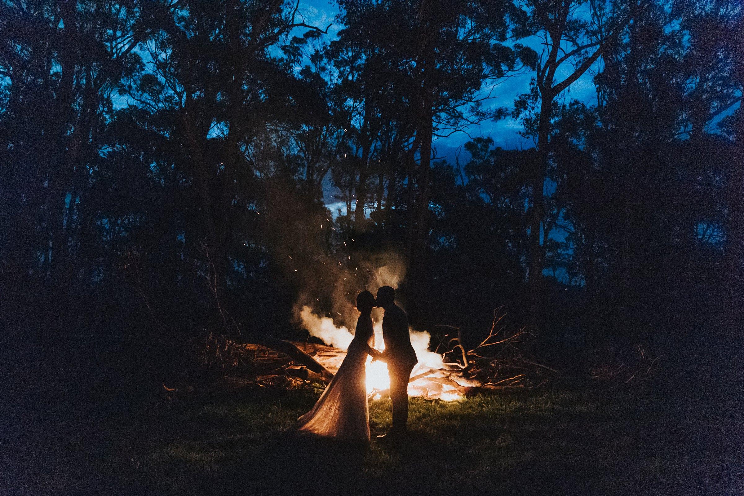 bonfire portraits at southern highlands mali brae wedding