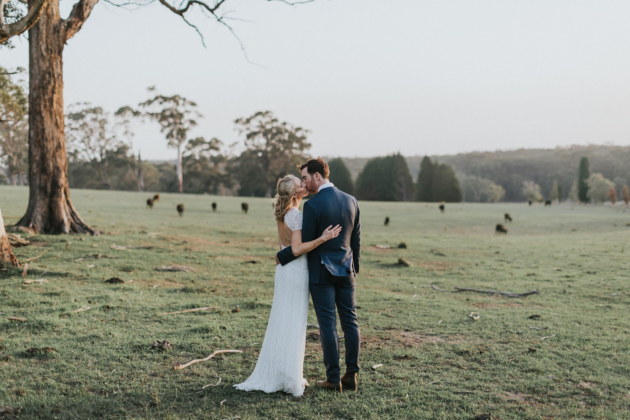 natural wedding portraits in kangaroo valley