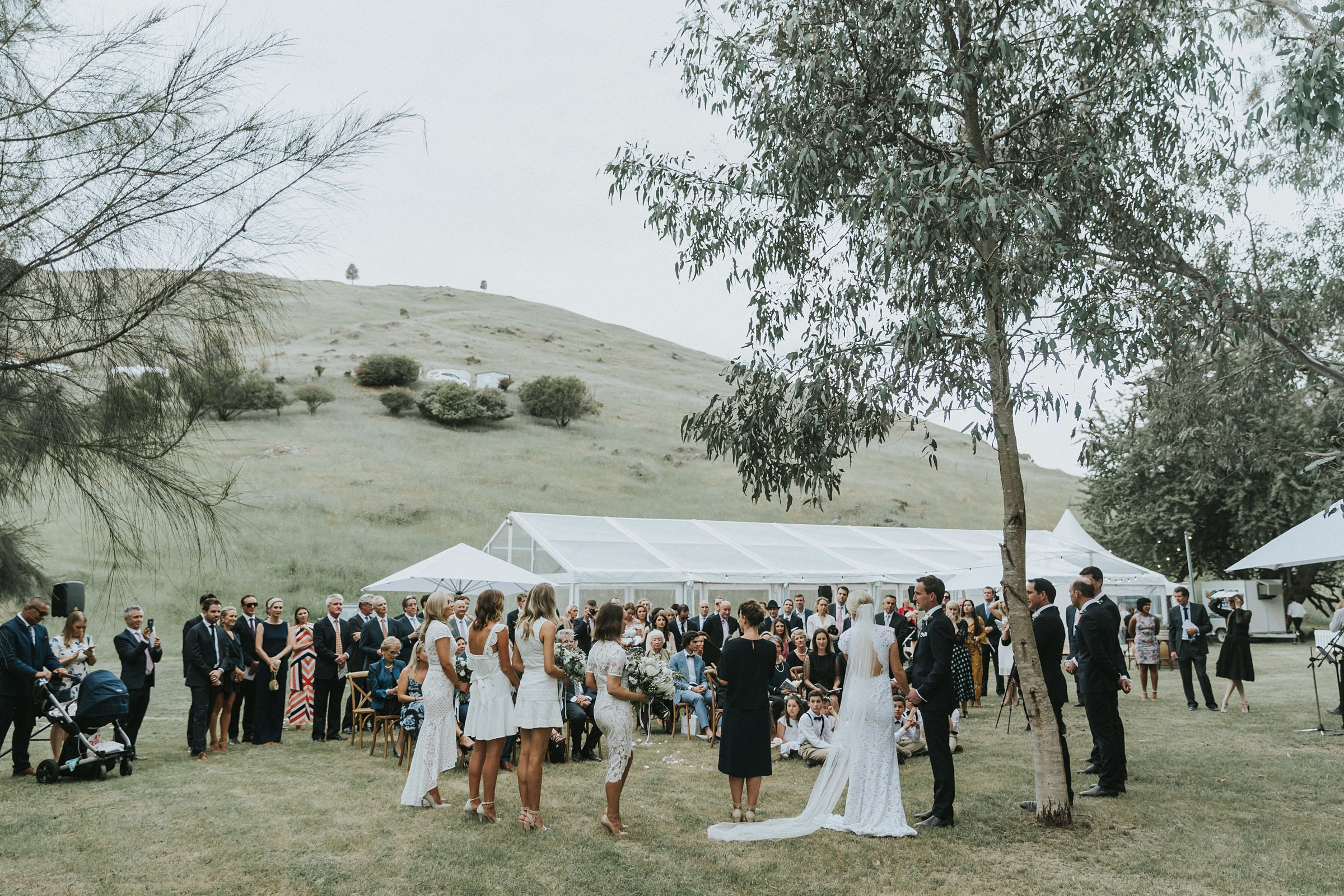 wedding ceremony in tumut by the tumut river