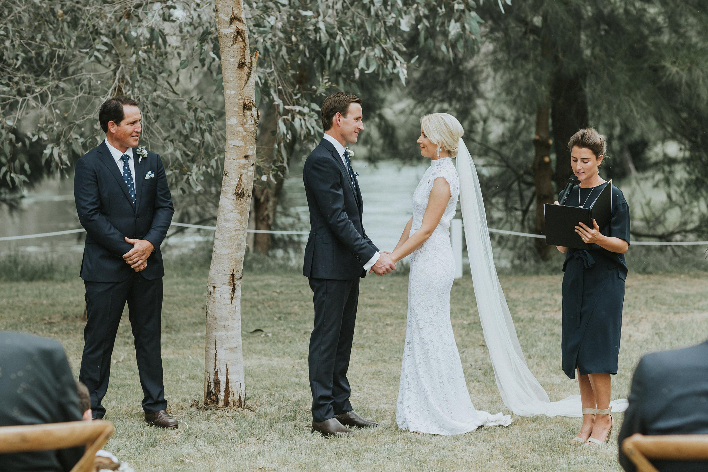 wedding photojournalism at nimbo fork lodge in tumut