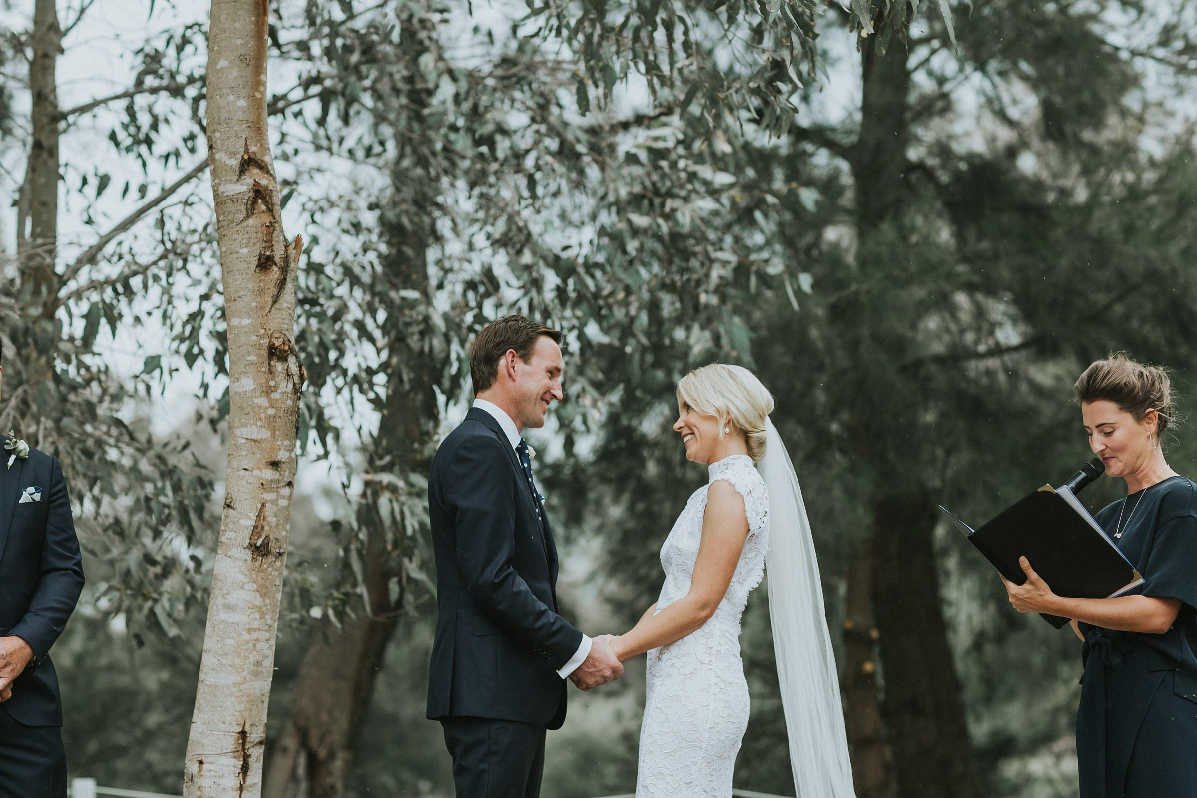 tumut nsw wedding ceremony photographed by jonathan david